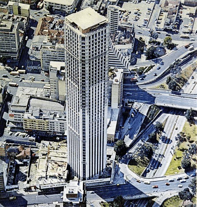 construcción torre colpatria